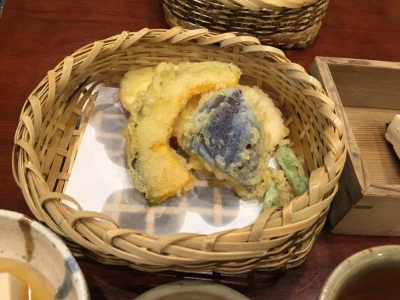 Japanese fried snack tempura wa shoku japanese jobs foods it is really importance to taste tempura in japan if a have one more chance to visit japan the first think i have to do is eating tempura forumfinder Images